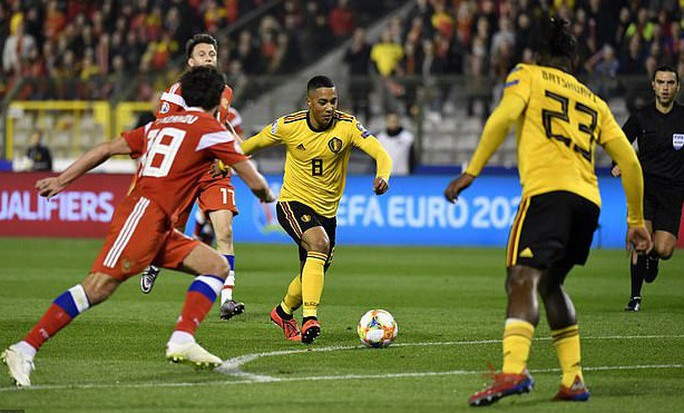Người nhện Courtois tặng quà, Hazard đòi lại 3 điểm cho Bỉ - Ảnh 3.