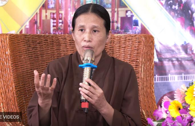 Chùa Ba Vàng: Chị gái và chồng cũ nói về năng lực siêu nhiên của bà Phạm Thị Yến - Ảnh 1.