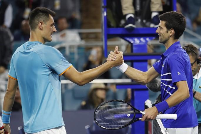Djokovic thắng trận ra quân, bắt đầu chinh phục danh hiệu thứ 7 Miami Open - Ảnh 1.