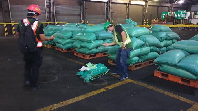 Bộ Công an phối hợp với cảnh sát Philippines chặt đứt đường dây ma tuý đá khủng - Ảnh 2.