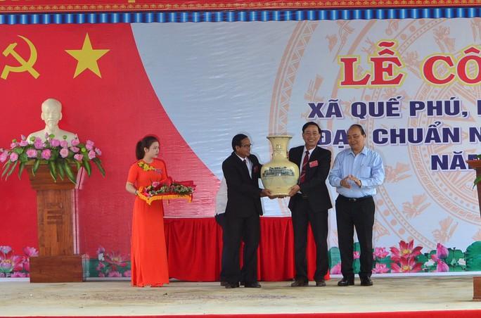 Quê hương Thủ tướng Nguyễn Xuân Phúc đạt chuẩn nông thôn mới - Ảnh 4.