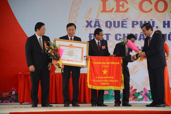 Quê hương Thủ tướng Nguyễn Xuân Phúc đạt chuẩn nông thôn mới - Ảnh 2.