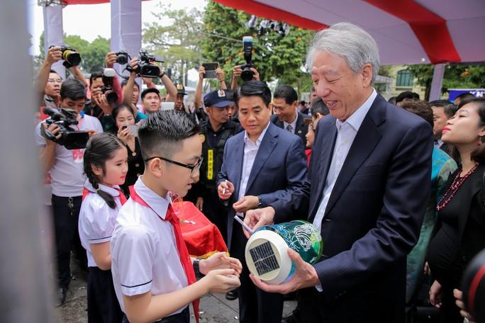 Rực rỡ Lễ hội Singapore 2019 tại phố đi bộ hồ Hoàn Kiếm - Ảnh 8.