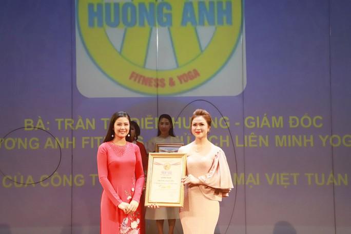 Chủ tịch liên minh Yoga thế giới tại Đông Nam Á là nữ hoàng ngành làm đẹp - Ảnh 4.