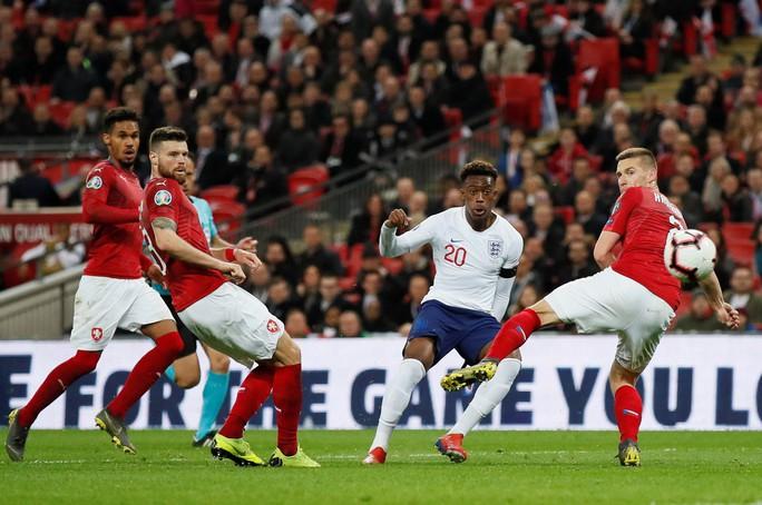 Sterling tỏa sáng với hat-trick, Sư tử Anh vùi dập CH Czech - Ảnh 5.