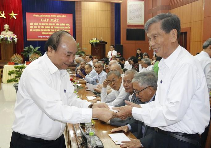 Nguyên bí thư huyện phản ánh chuyện mất thuế, ô nhiễm tại mỏ vàng với Thủ tướng - Ảnh 2.