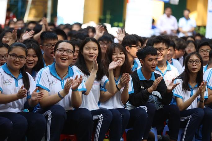 Chương trình Đưa trường học đến thí sinh 2019: Giải tỏa nỗi lo nghề nghiệp - Ảnh 4.