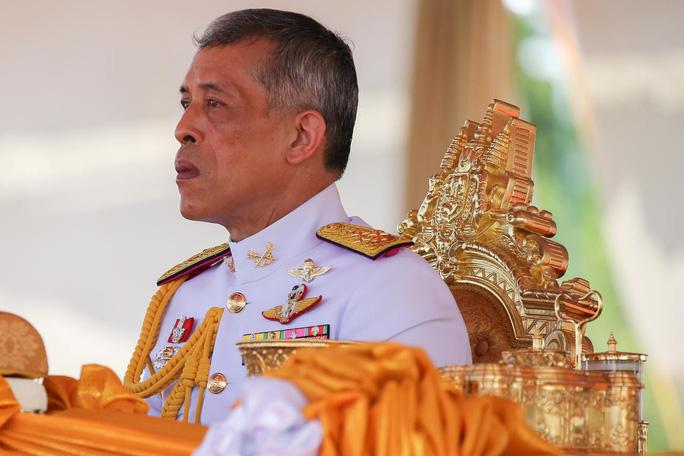 Quốc vương Thái Lan bất ngờ lên tiếng trước giờ bầu cử - Ảnh 1.