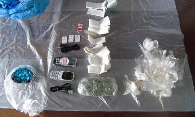 Tội phạm Anh dùng... chuột chết để buôn lậu ma túy vào nhà  tù - Ảnh 1.