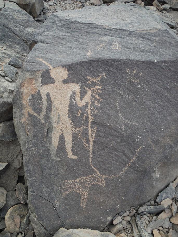 Cổ văn 3.900 năm giải mã bí ẩn kho báu màu tím - Ảnh 5.