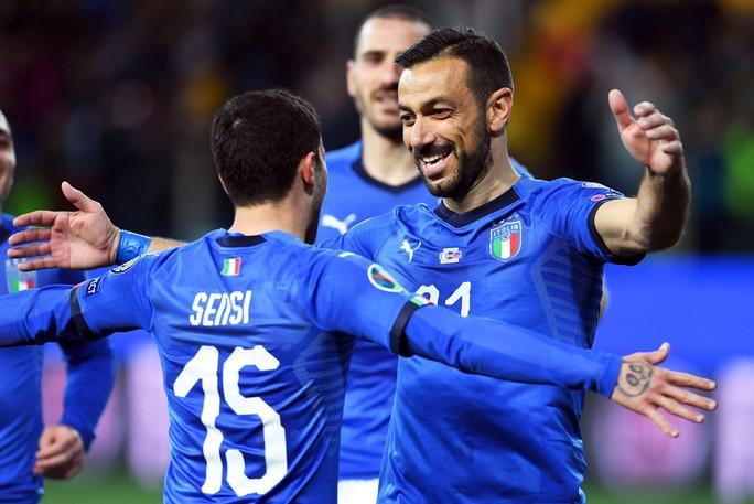 Sao 36 tuổi lập công, Ý tạo mưa bàn thắng ở vòng loại Euro 2020 - Ảnh 3.
