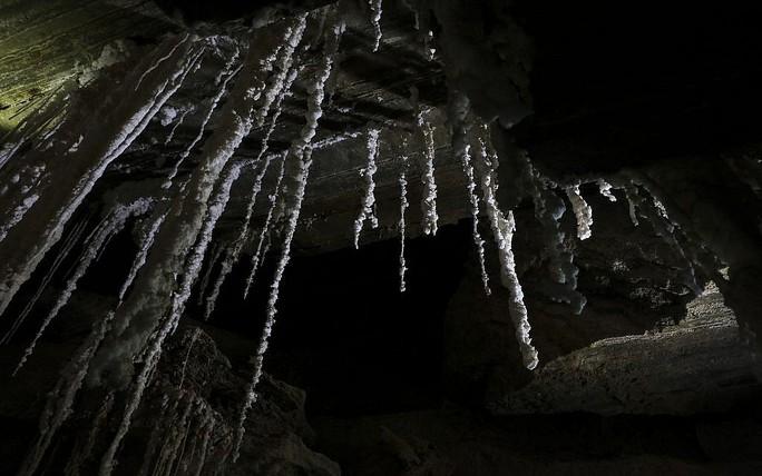 Ngất ngây với hang muối dài nhất thế giới - Ảnh 3.