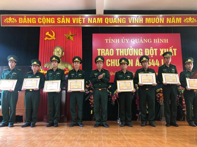 Trao thưởng Ban Chuyên án phá đại án khủng 110.000 viên ma túy - Ảnh 2.