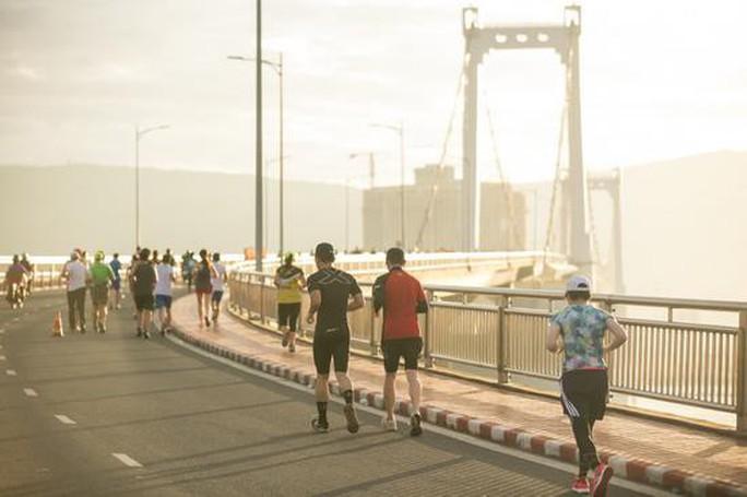 Rộn ràng Giải Marathon quốc tế Manulife Đà Nẵng 2019 - Ảnh 3.