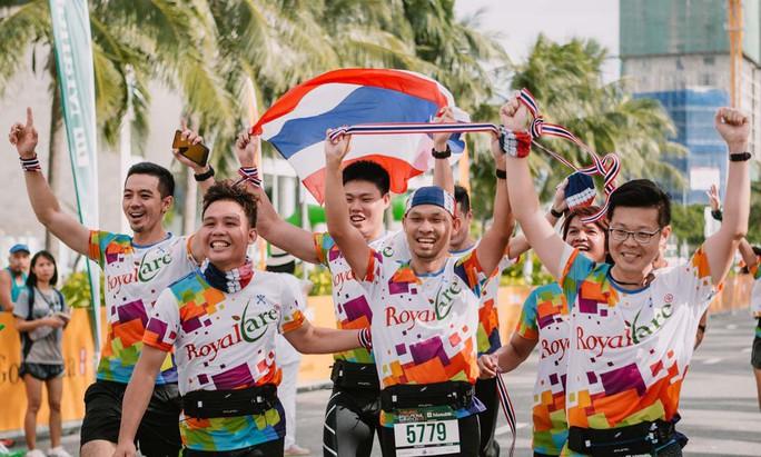 Rộn ràng Giải Marathon quốc tế Manulife Đà Nẵng 2019 - Ảnh 2.