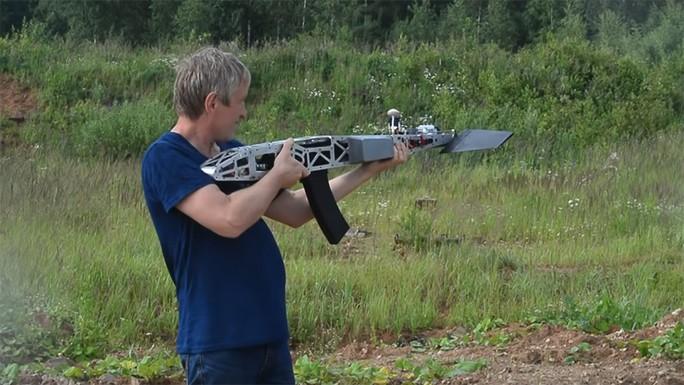 Nga: Ngỡ ngàng với thiết bị bay tích hợp súng trường tự nạp đạn - Ảnh 2.