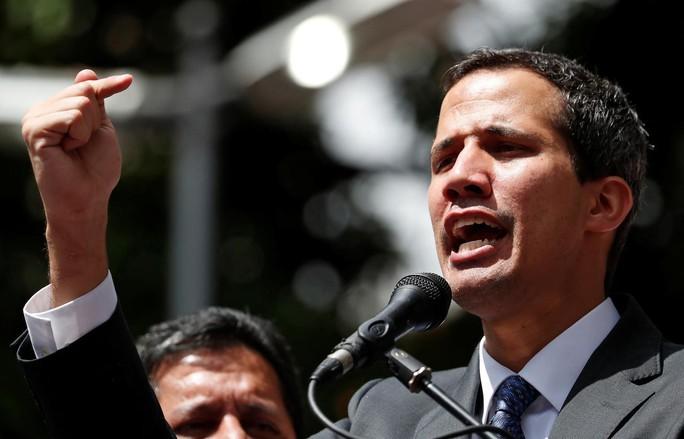 Venezuela: Tổng thống tự phong bị cấm giữ chức vụ công trong 15 năm - Ảnh 1.