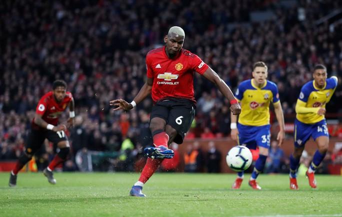 Lukaku thăng hoa, Man United vào Top 4 Ngoại hạng Anh - Ảnh 2.