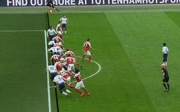 Lukaku thăng hoa, Man United vào Top 4 Ngoại hạng Anh - Ảnh 10.
