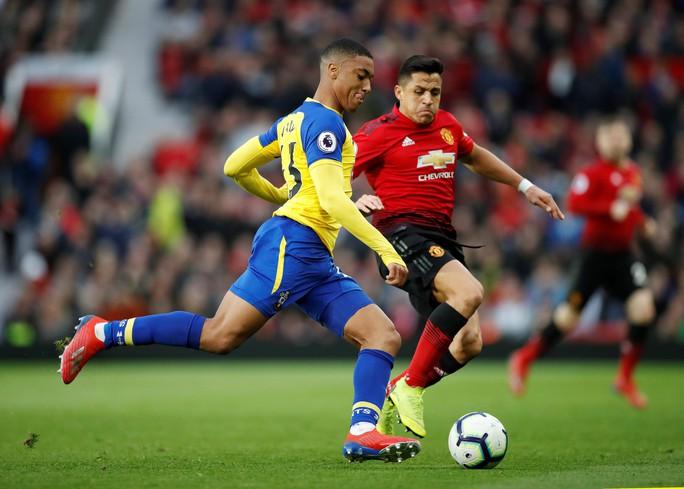 Lukaku thăng hoa, Man United vào Top 4 Ngoại hạng Anh - Ảnh 4.