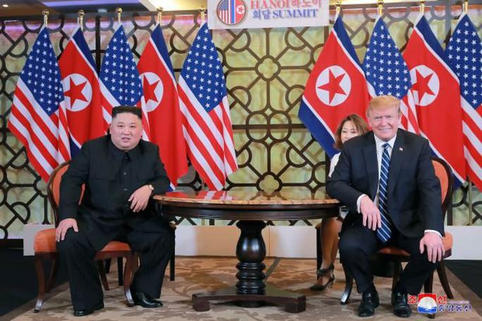 Ông Donald Trump đề nghị ông Kim Jong-un chuyển giao vũ khí hạt nhân - Ảnh 1.