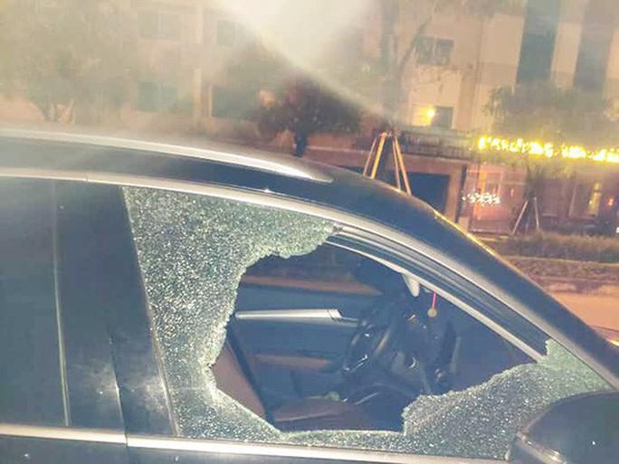 Xác minh vụ đập cửa kính ô tô rồi trộm 600 triệu đồng - Ảnh 2.