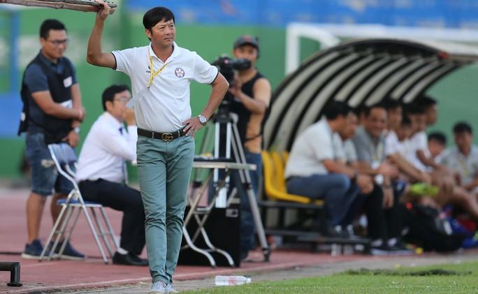 Thua thất vọng, HLV Lê Huỳnh Đức chê Hà Đức Chinh chẳng biết làm gì - Ảnh 2.