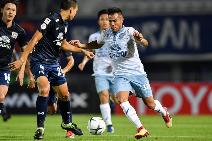 Bóng đá Thái rút ruột V-League - Ảnh 1.