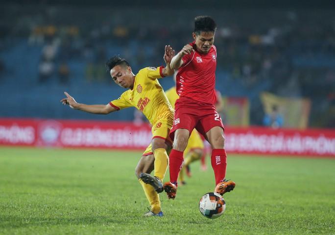 Bóng đá Thái rút ruột V-League - Ảnh 2.