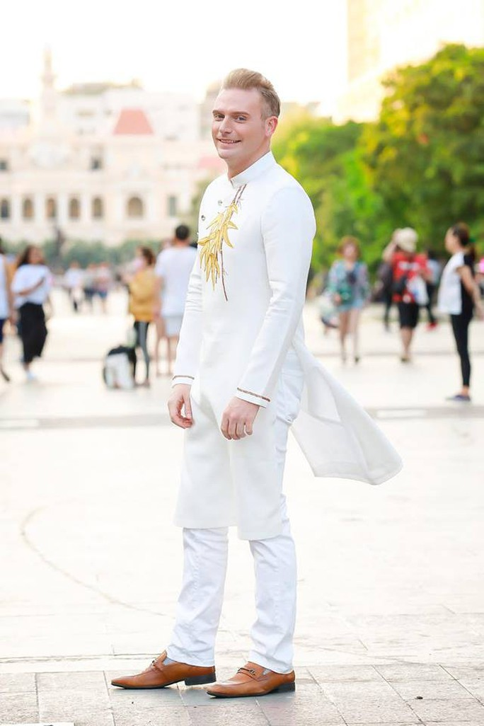 Ca sĩ Kyo York Tôi yêu áo dài Việt Nam - Ảnh 6.