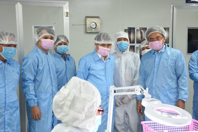 Chủ tịch Nguyễn Thành Phong: Đừng để ứng dụng khoa học trong ngăn kéo - Ảnh 1.