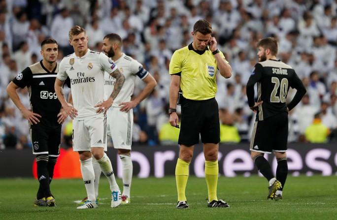Địa chấn Champions League: Real Madrid thua muối mặt Ajax - Ảnh 8.