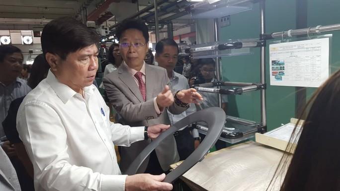 Chủ tịch Nguyễn Thành Phong: Đừng để ứng dụng khoa học trong ngăn kéo - Ảnh 2.