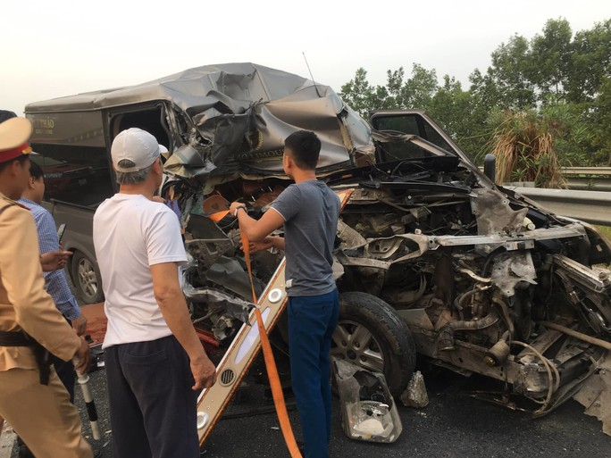 Tai nạn 4 người thương vong trên cao tốc: Xe khách chạy 112 km/giờ trước khi tông xe container - Ảnh 1.