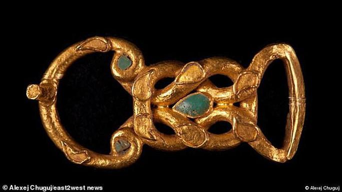 Công chúa Biển Đen ngủ trong mộ cổ đầy châu báu - Ảnh 2.