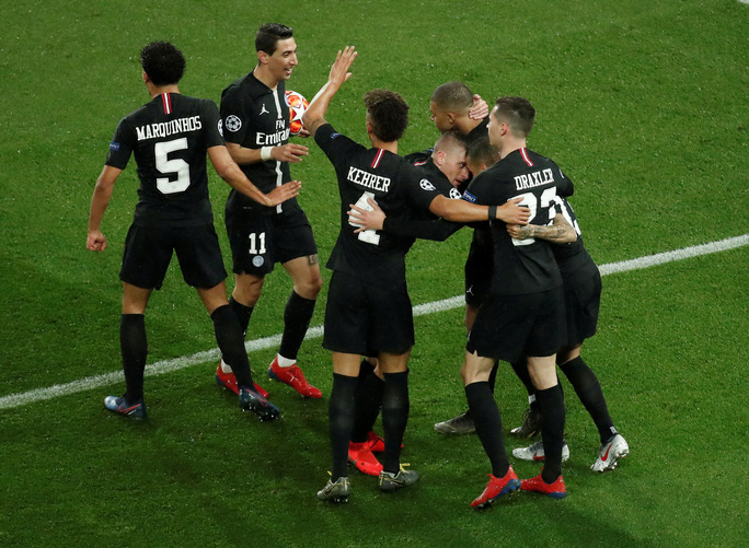 Ngược dòng kỳ vĩ, Man United quật ngã PSG ở Paris - Ảnh 5.