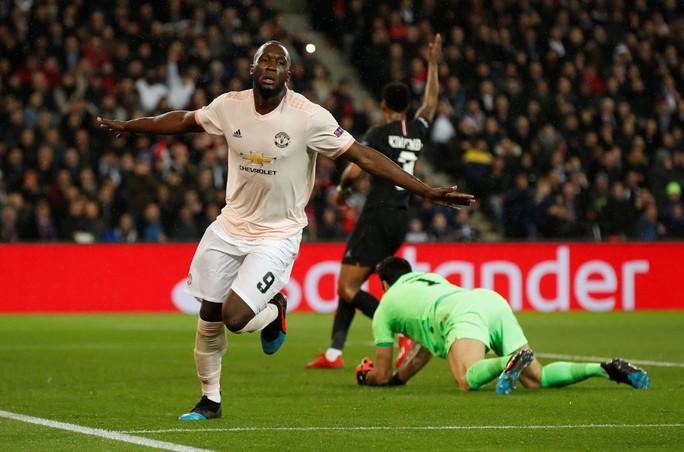 Báo chí Anh ngợi ca Man United sau kỳ tích hạ gục PSG - Ảnh 2.