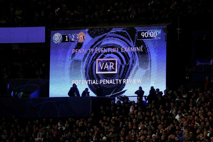Báo chí Anh ngợi ca Man United sau kỳ tích hạ gục PSG - Ảnh 3.