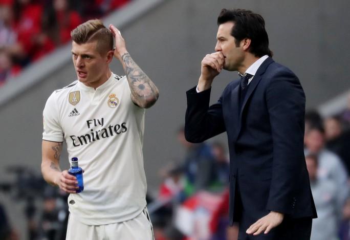 Chủ tịch Real Madrid muốn tống cổ Ramos khỏi đội bóng - Ảnh 4.