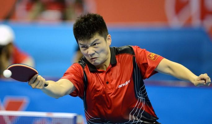 Clip: Pha phòng ngự khó tin của tay vợt Trung Quốc - Ảnh 2.