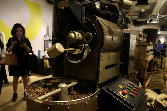 Chiêm ngưỡng 10.000 hiện vật tái hiện lịch sử cà phê - Ảnh 7.