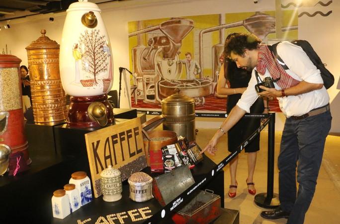 Chiêm ngưỡng 10.000 hiện vật tái hiện lịch sử cà phê - Ảnh 9.