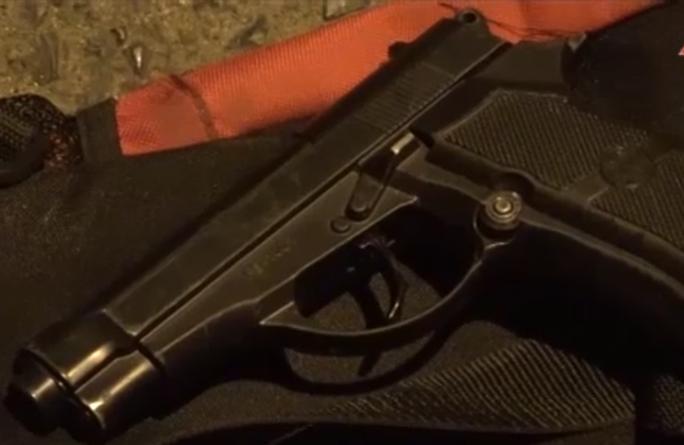 Nổ súng điên cuồng bắn trả công an khi bị kiểm tra nhà - Ảnh 4.