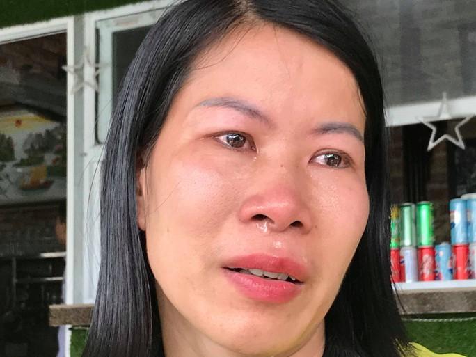 256 giáo viên có nguy cơ mất việc: Nước mắt của những thầy cô giáo - Ảnh 1.
