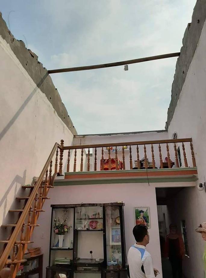 Lốc xoáy kinh hoàng gây thiệt hại nặng ở Quảng Nam - Ảnh 2.