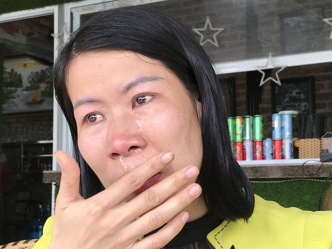 256 giáo viên có nguy cơ mất việc: Nước mắt của những thầy cô giáo - Ảnh 4.