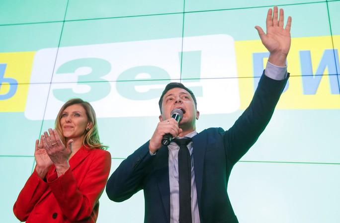 Ukraine sắp có tổng thống là diễn viên hài? - Ảnh 1.