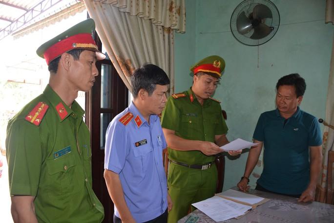Quảng Nam: Lập khống hồ sơ đất đai, 3 cán bộ bị bắt - Ảnh 1.