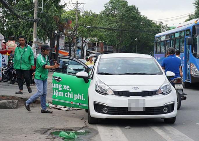 Kết nối chở khách qua ứng dụng là taxi - Ảnh 1.
