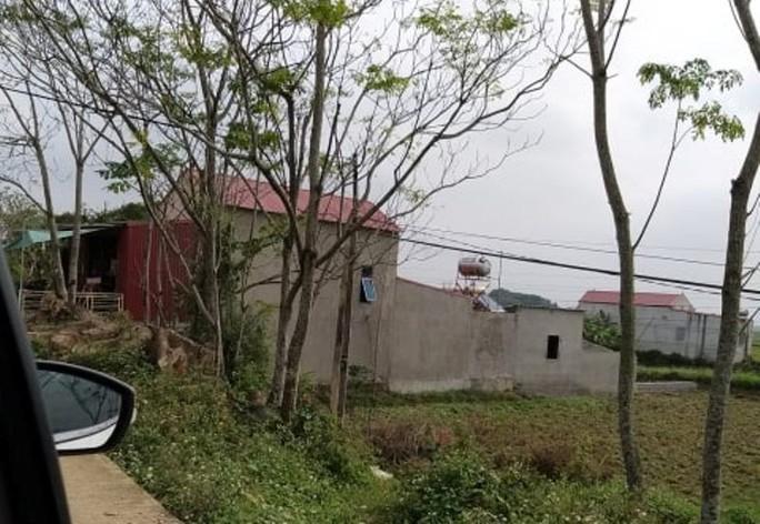 Cán bộ xã ngang nhiên xây nhà trái phép trong hành lang đê sông Mã - Ảnh 1.